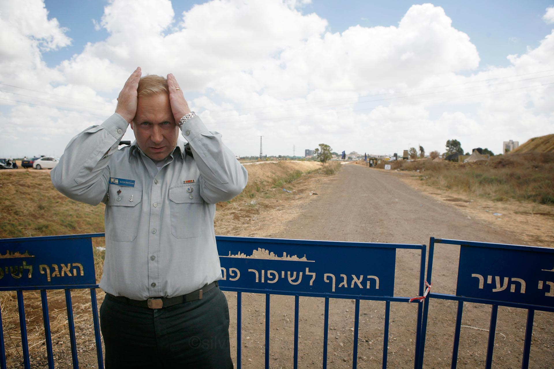 Israeli armed forces spokesperson Peter Lerner meets the press at an 'iron dome' tour. Israel, July 2014