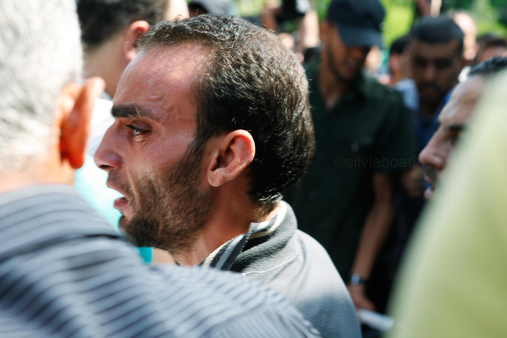 A distraught man outside the Shifa morgue. Gaza, 20 July 2014